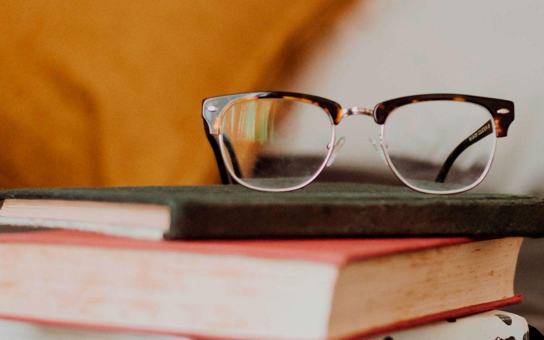 Convocatoria Becas de Estudio de la AAU – 2017